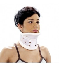 DELUXE PLASTIC CERVICAL COLLAR 5104